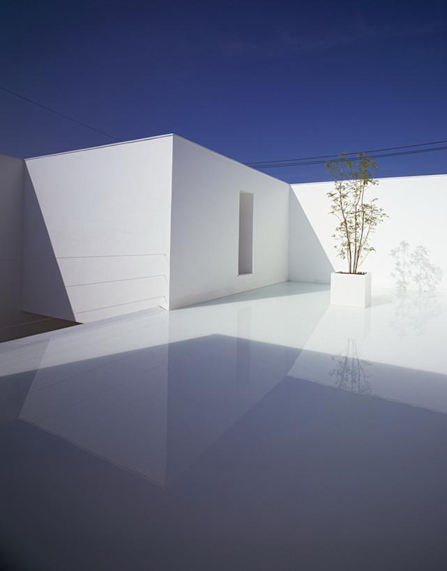 6-white-cave-house-by-takuro-yamamoto-architects
