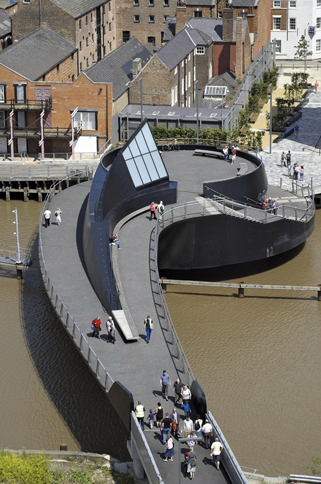 Innovative Swing Bridge Over The River Hull Home