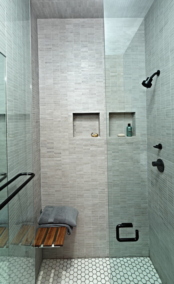 8-compact shower