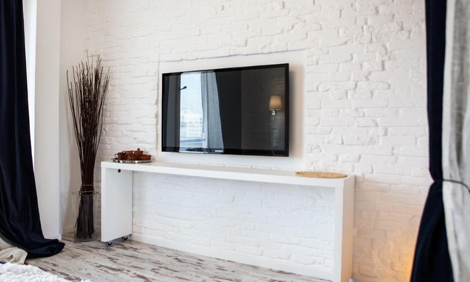 91-wheeled IKEA console