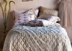 10-beautiful pillows