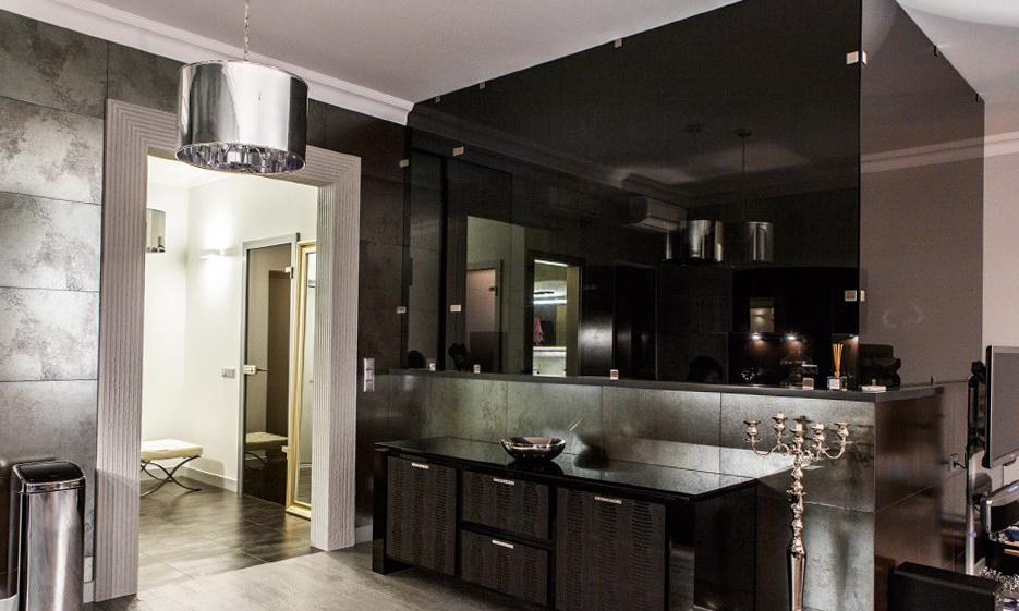 11-black-interior