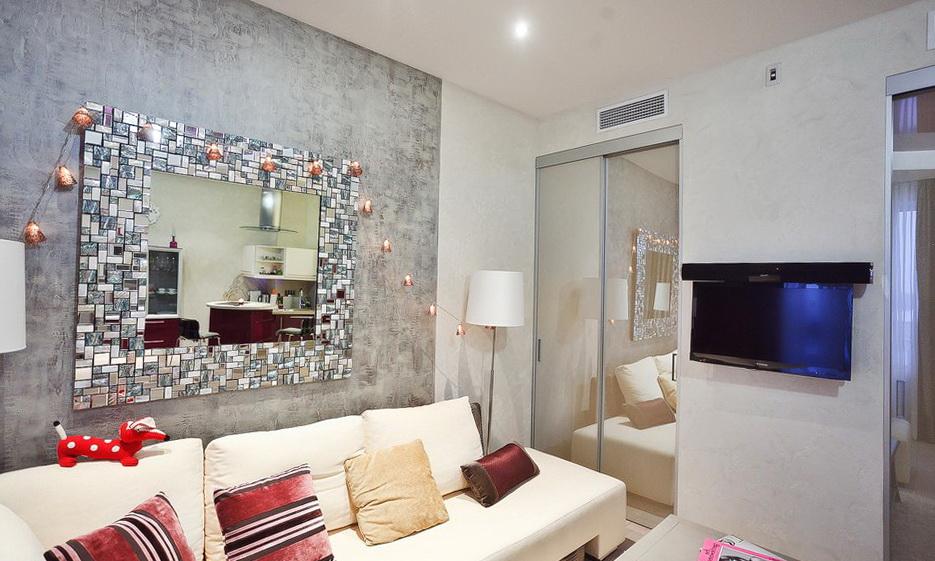 14-sofa-mirror