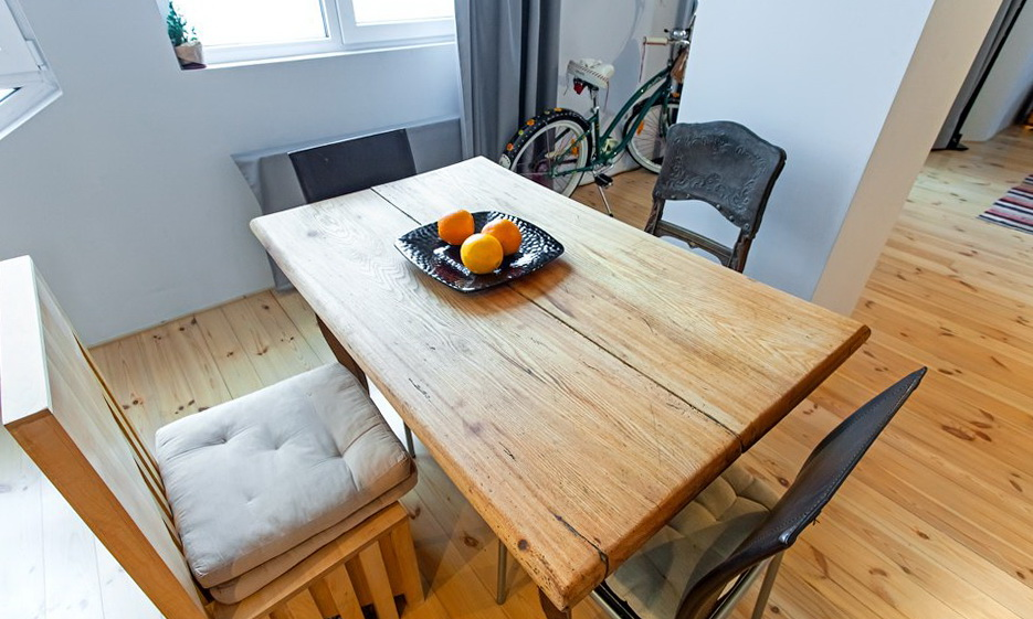 21-kitchen-table