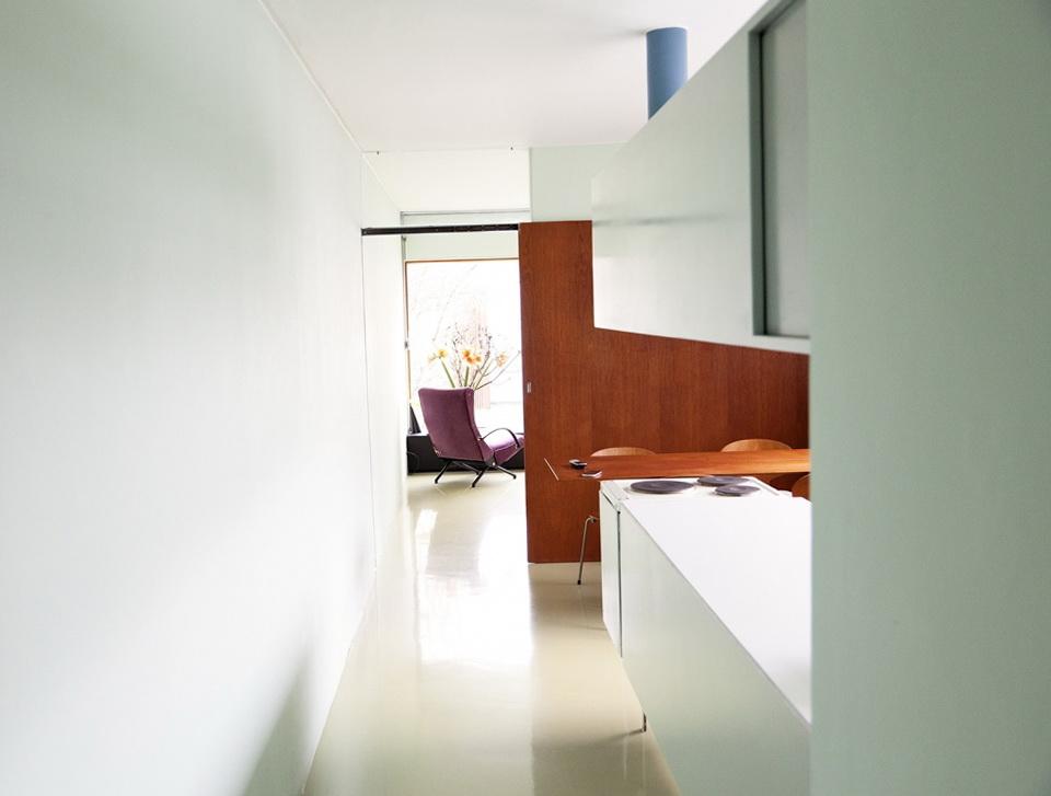 3-long corridor