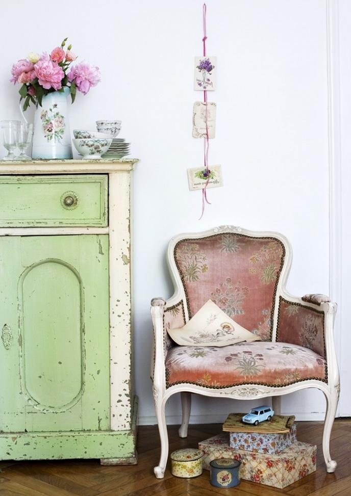 6-old dresser