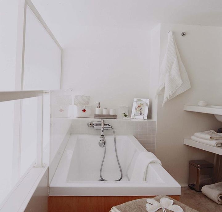 8-white bath