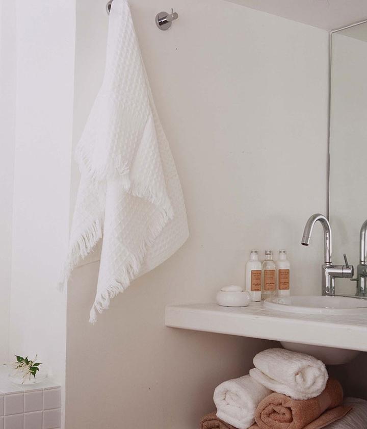 9-white bath