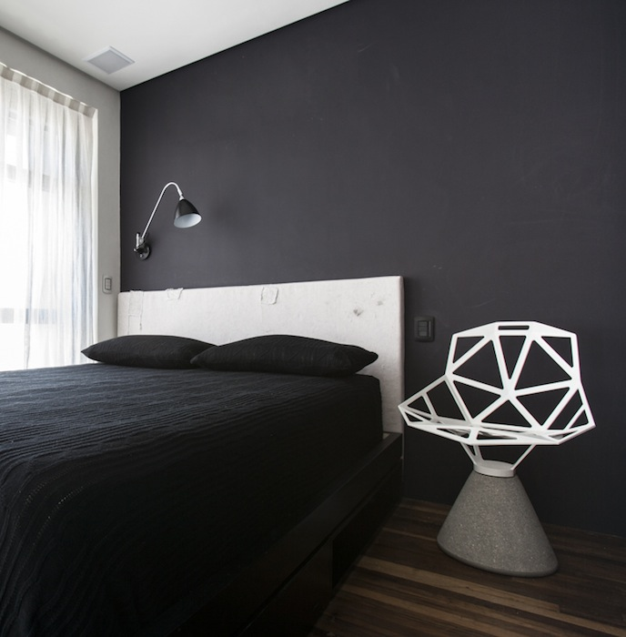 10-black bedroom