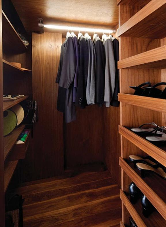 11-hidden Closet