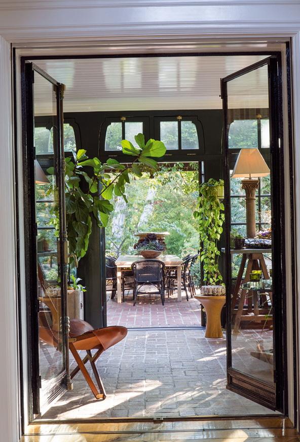 12-doors to the garden