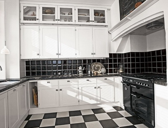 3-black and white kitchen