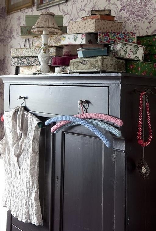 3-nice hangers
