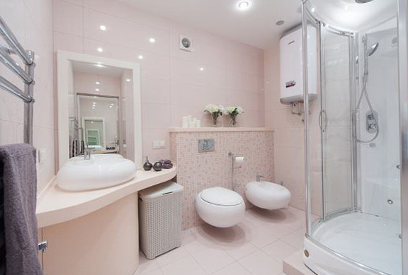 Bathroom Done In Delicate Shades Of Pink Well Suited For A Romantic Couple The Does Not Have But There Is Shower Spacious And