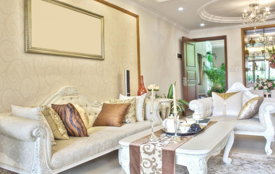 4-bright living room