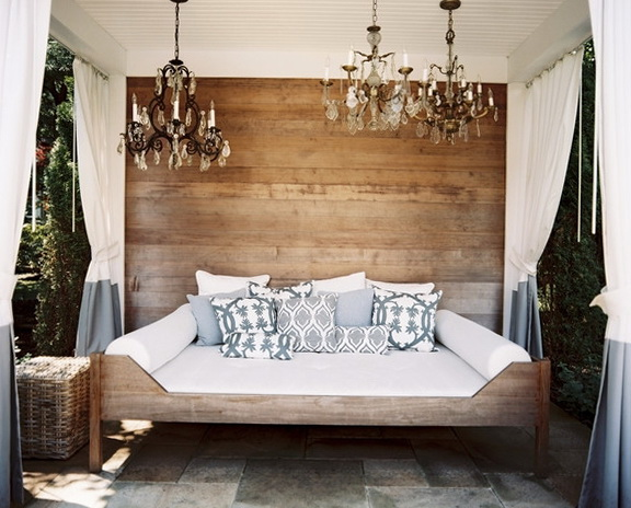 Diy Inspiration Daybeds: Rustic Style In The Modern World