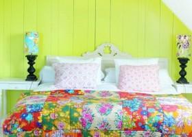 1-bright-neon-color-in-the-interior