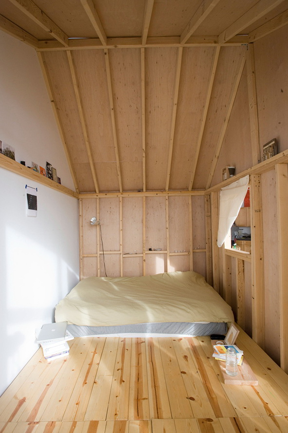 4-high ceiling