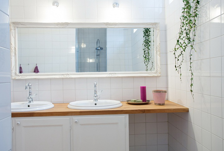 1-bright bathroom