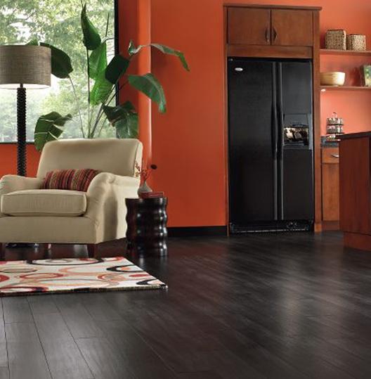 2-dark floor in the interior