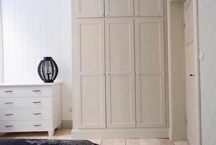 3-light cabinet