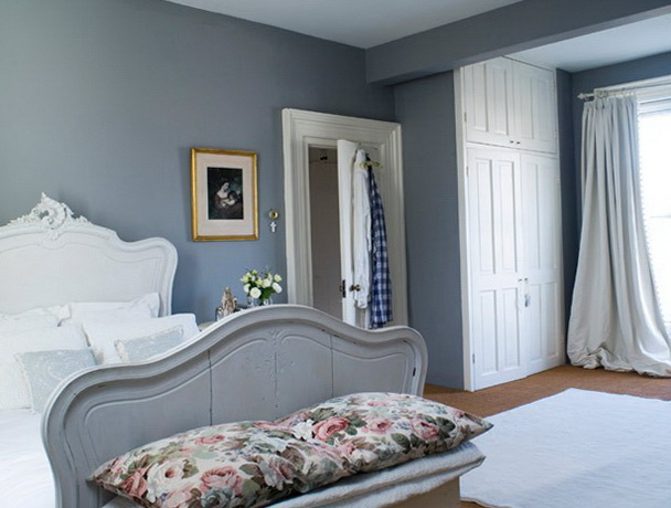 4-gray bedroom