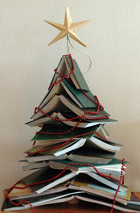9-Christmas tree made of books