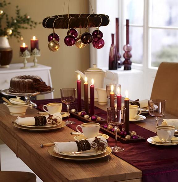 Kaffetafel weihnachtlich, in gold, schoko, brombeer