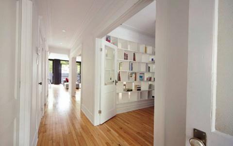 2-spacious hallway