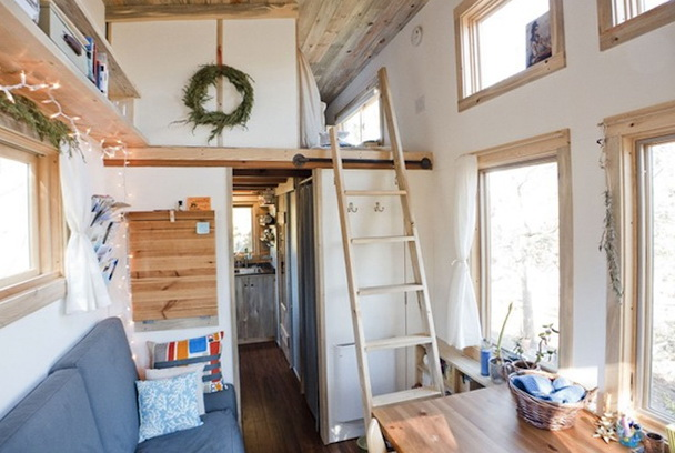 Tiny house for two family members home interior design Four lights tiny house plans