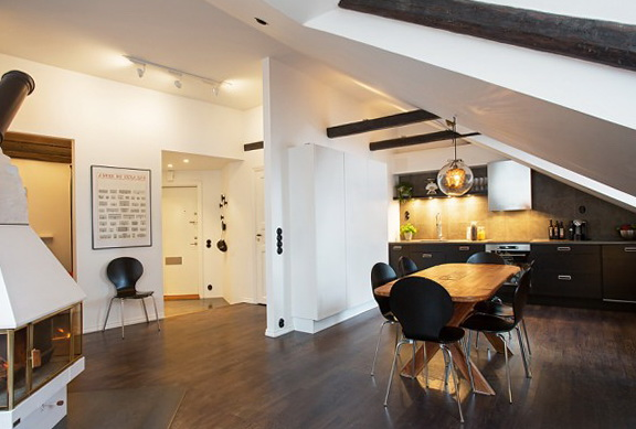 3-spacious hallway