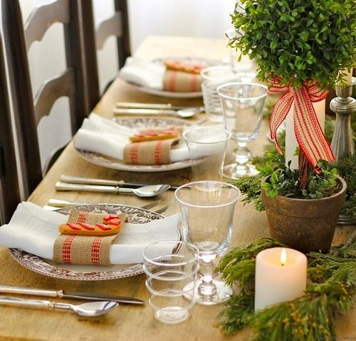 1-3-christmas-table-setting-decoration-composition-topiary-tree