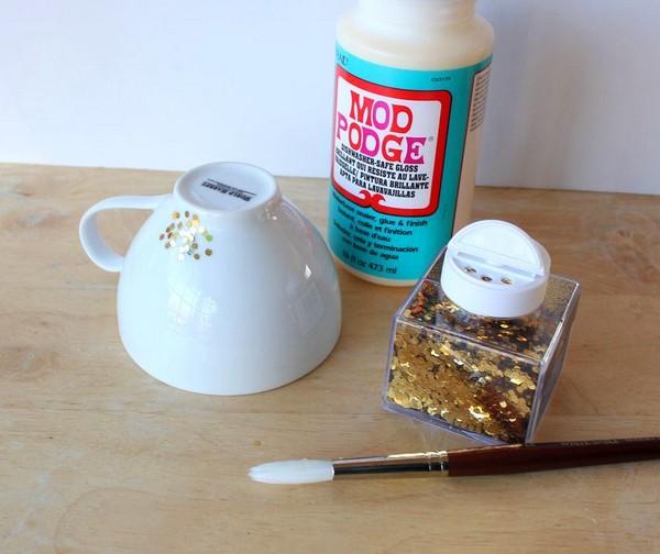 1-DIY-hand-made-Golden-Confetti-Dipped-Cup-mug-christmas-decor