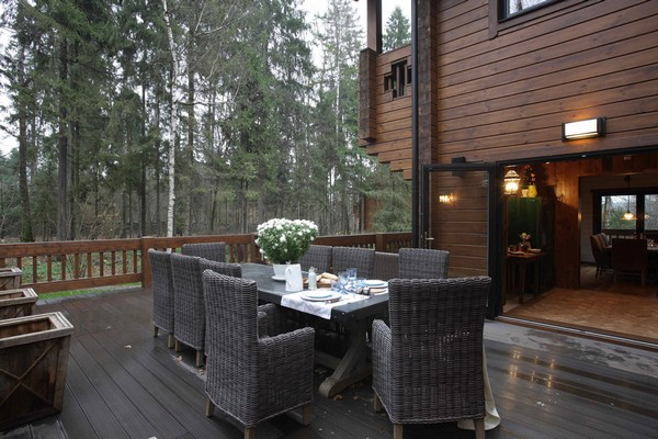 1-vintage-american-country-style-wooden-house-terrace-oudoor-dining-furniture-set