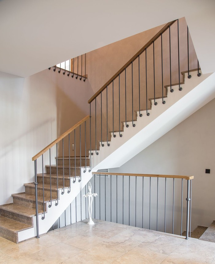 Stair Styles: Forged Stair Railings: How To Fit Them In Different