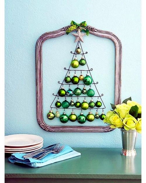 11-diy-hand-made-wall-christmas-tree-out-of-christmas-balls
