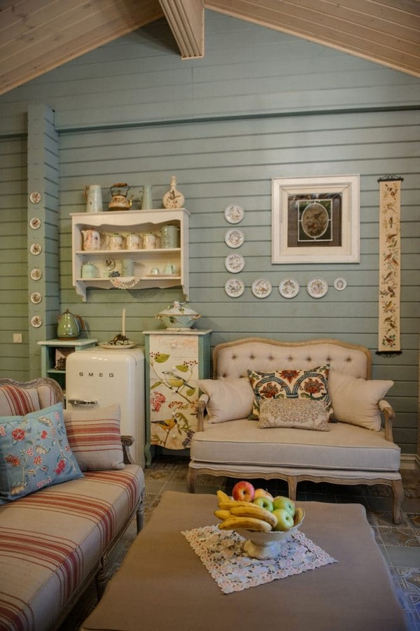 12-vintage-style-beige-and-turquoise-sauna-interior-rest-living-room-bird-theme-decor-pattern-stripy-sofa-capitone-smeg-refrigerator-decorative-plates-wooden-walls-decoupage-furniture