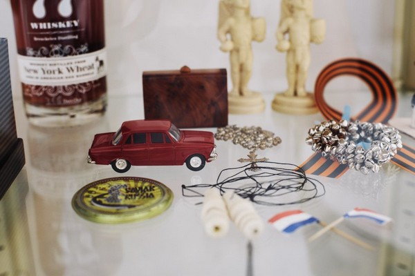 13-collection-of-souvenirs-flea-market