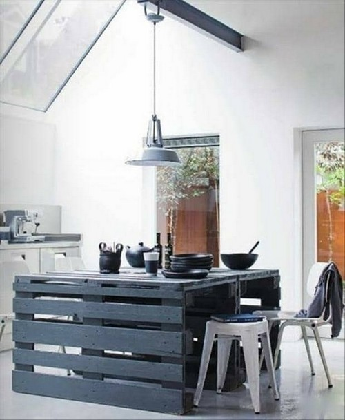 13-diy-hand-made-pallet-furniture-kitchen-dining-table