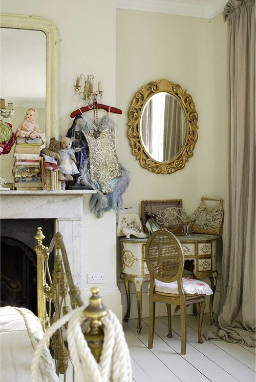 13-golden-elements-gold-in-interior-design-provence-style-dressing-table-mirror-fireplace
