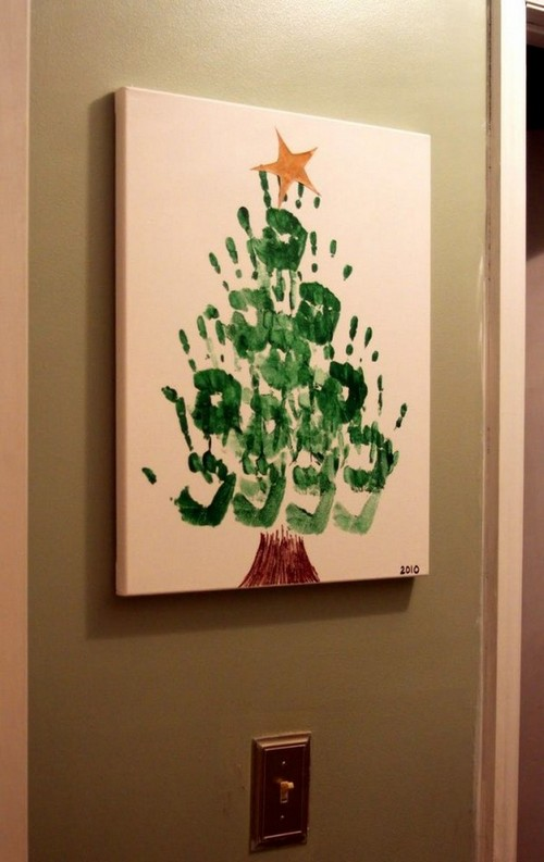 14-diy-hand-made-wall-christmas-tree-painting-handprints