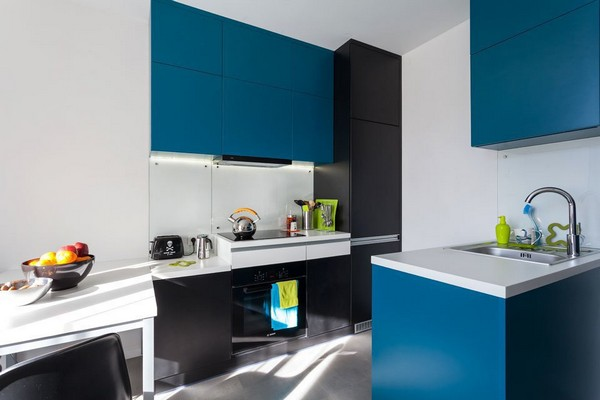 14-modern-ascetic-interior-kitchen-blue-kitchen-set-white-walls