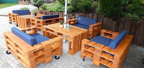 17-diy-hand-made-pallet-furniture-outdoor-dining-table-set