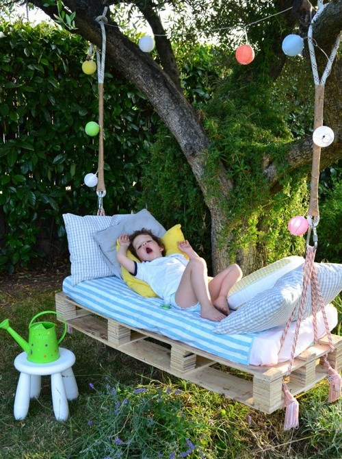 19-diy-hand-made-pallet-furniture-garden-porch-swing