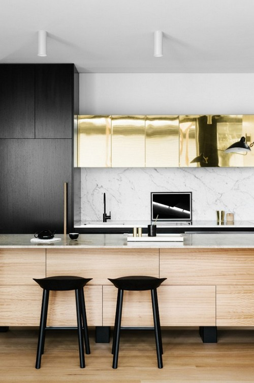 19-golden-elements-gold-in-interior-design-minimalistic-kitchen-cabinets