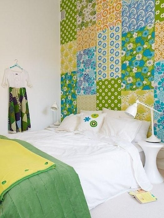 2-1-patchwork-wallpaper-in-the-toddler-bedroom-interior