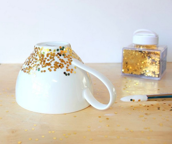 2-DIY-hand-made-Golden-Confetti-Dipped-Cup-mug-christmas-decor