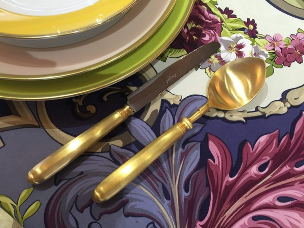 2-exclusive-beautiful-china-porcelain-tea-setbeige-yellow-white-floral-tablecloth-golden-plated-cutlery