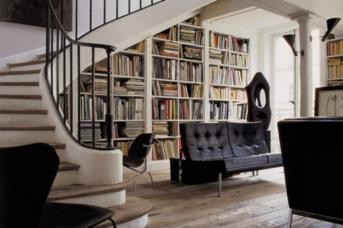 2-home-library-ideas-book-storage-under-staircase
