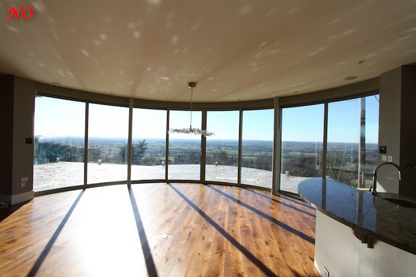 2-panoramic-glazing-windows-view-wall-to-wall-ceiling-to-floor(1)